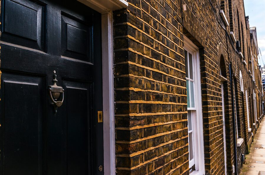 Property Investment Companies : The Pros and Cons